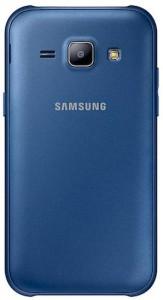 Das Galaxy J1 in blau von der Rückseite